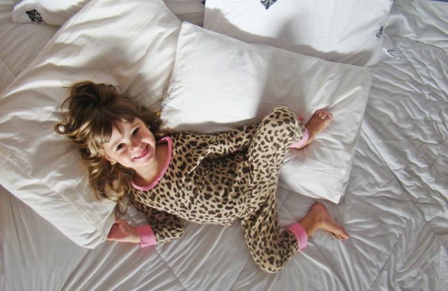 vitta blog vittamina pijama oncinha carters pijama carters crianca na cama bagunca
