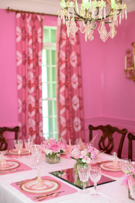 pompom de papel para festa de aniversario tema para cafe entre amigas blog vittamina decoração infantil bolo de aniversario rosa babados mesa de doces mesa posta rosa 1